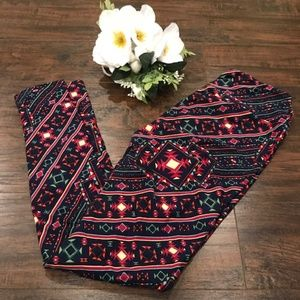 LuLaRoe Pants - 4/$25 Lularoe | aztec print soft one size leggings